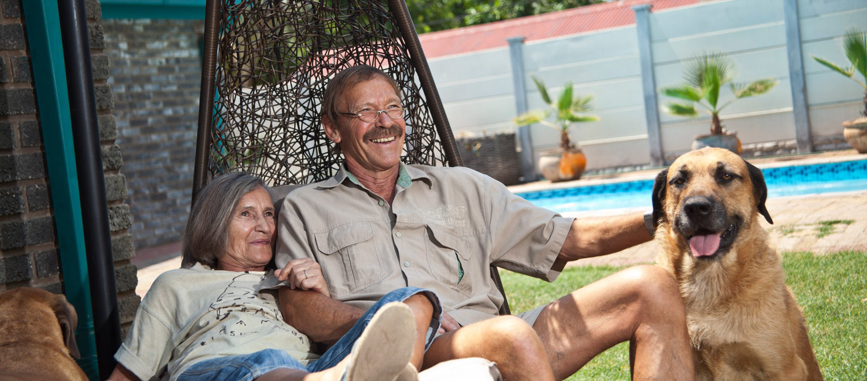 Tsumeb, 13.10.2012 Portrait von Ehepaar Zimmermann, Ulli(70) Georg(63) ©claudiamasur.de